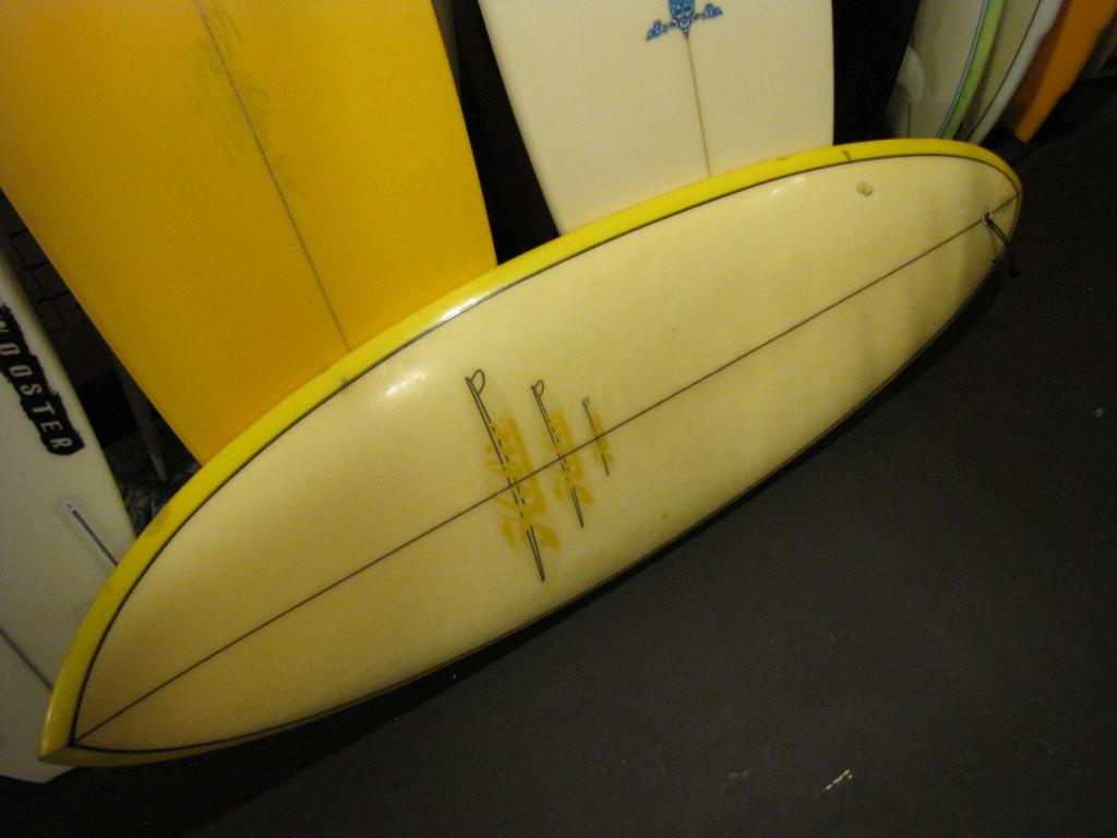 Vintage 1973 single fin Hobie Surfboard Micky Munoz