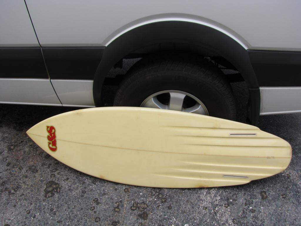 G&S Gordon and smith 1980's vintage twin fin surfboard hank warner
